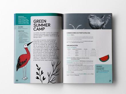Maquetación y diseño de los interiores del folleto informativo del Programa de Vacaciones Municipales del Ayutamiento de Vitoria-Gasteiz.